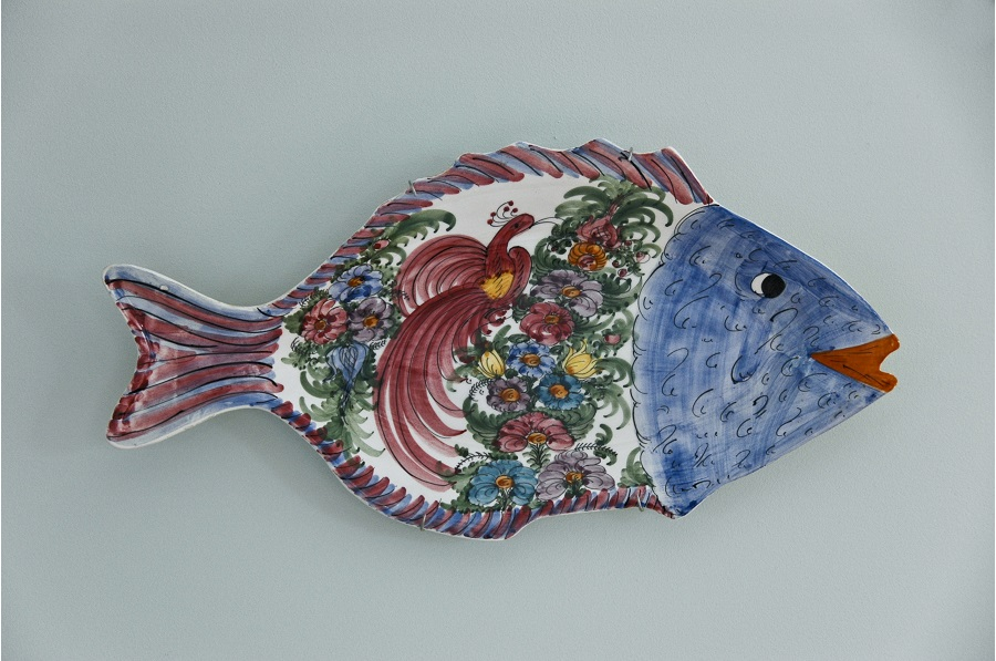 decorative platter hanger - display buddie